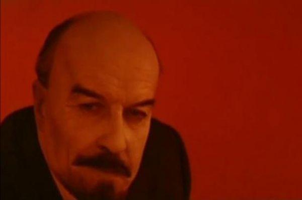 Владимир Честноков - в фильмах «В дни Октября», 1958 и «Первороссияне», 1967.