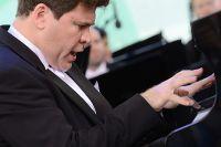 Пианист Денис Мацуев.