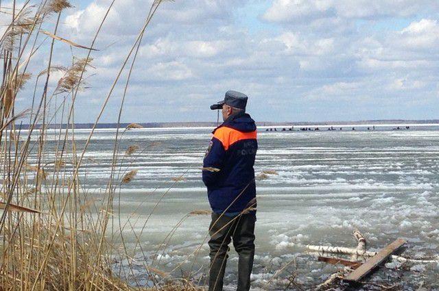 Рыбаков эвакуировали спасатели