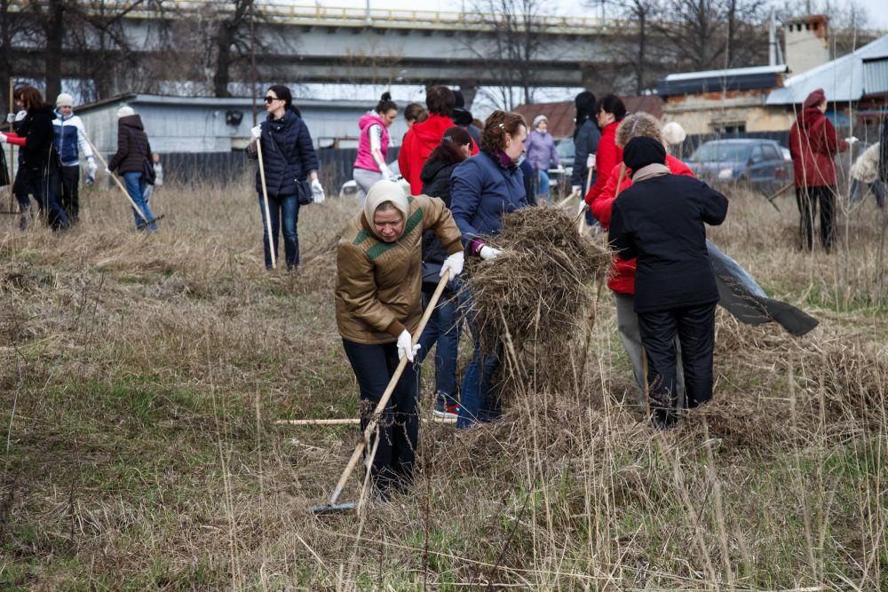 50 тысяч казанцев вышли на уборку города.