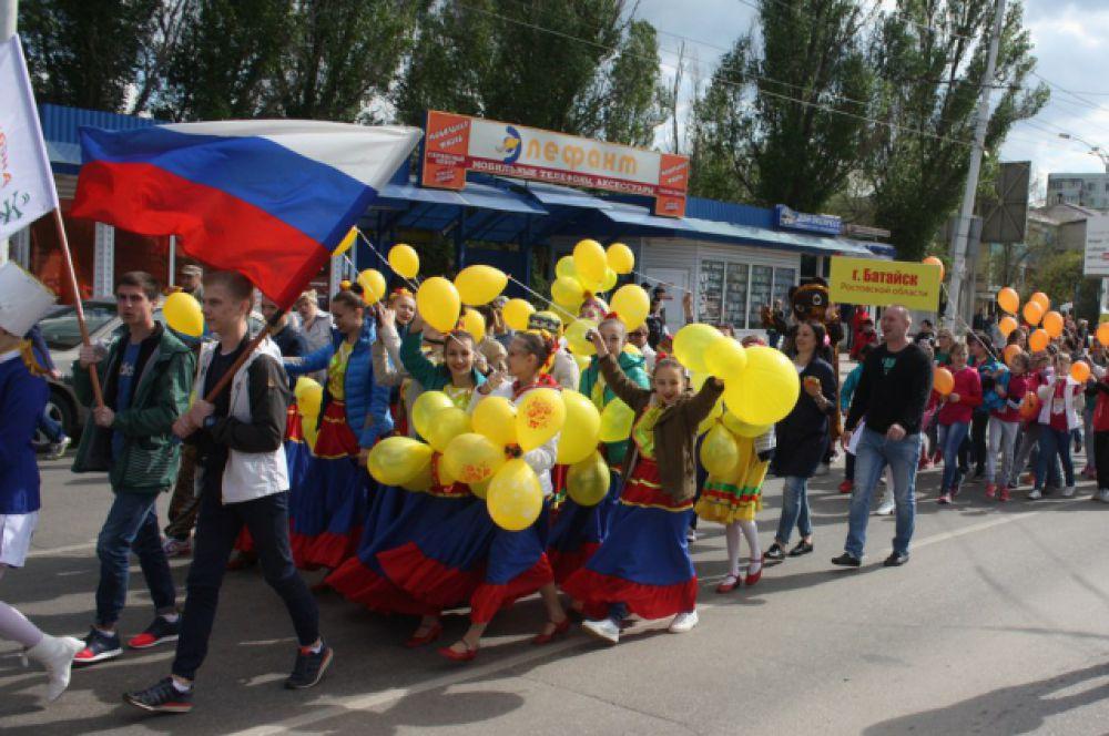 Приехали на «Южный ветер» артисты из Белоруссии, Украины и даже Австралии.