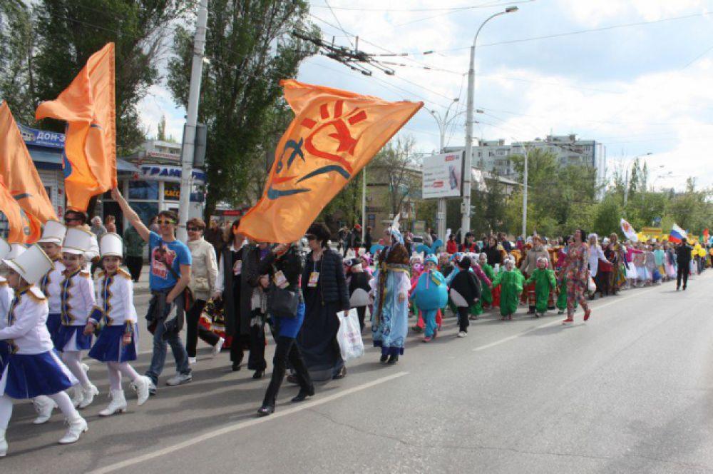 Состязаться за главыне призы будуб более 600 молодых и юных танцоров из разных регионов России.