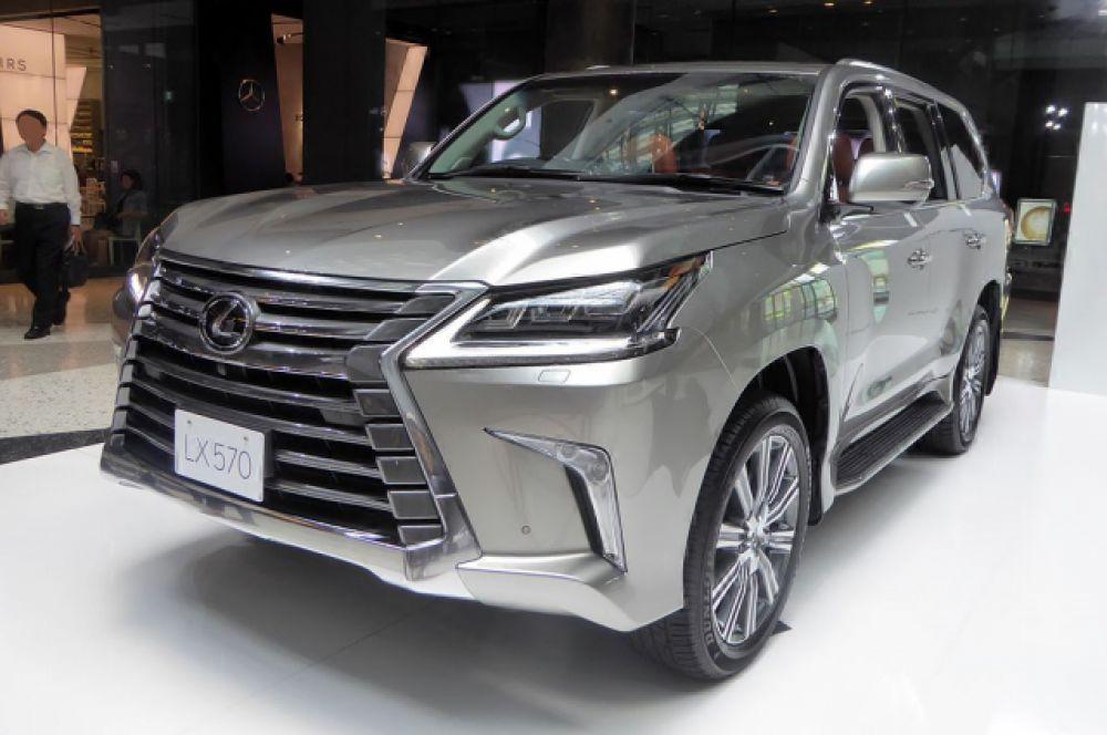 Lexus LX 570 указан в декларации Анатолия Якунина.