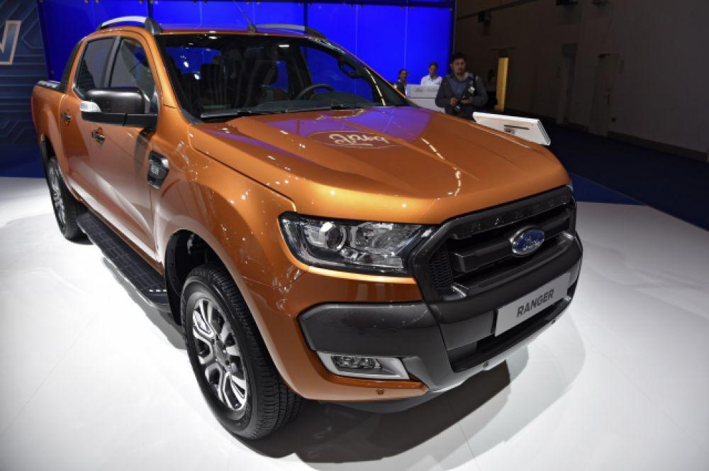 Ford Ranger указан в декларации Эдуарда Давыдовского.