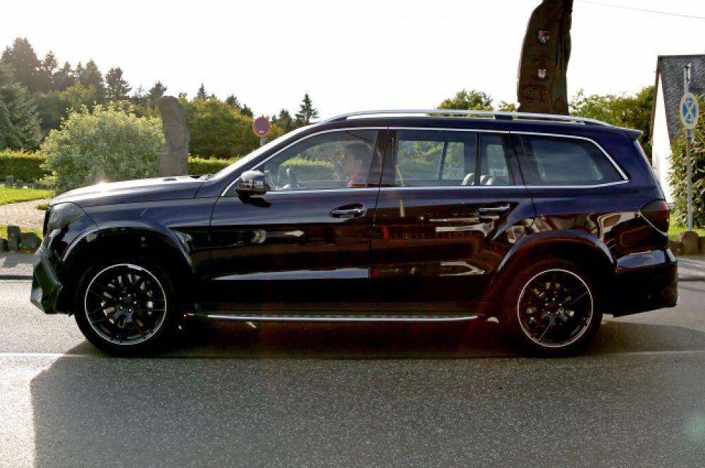 Mercedes-Benz GL 63 AMG - еще один автомобиль из декларации Ирины Соловьевой.