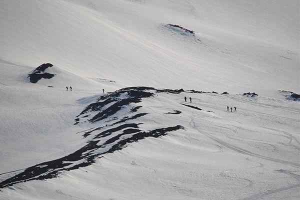Ски-альпинизм — сравнительно молодой вид спорта и активного отдыха, сочетающий горные лыжи и альпинизм.