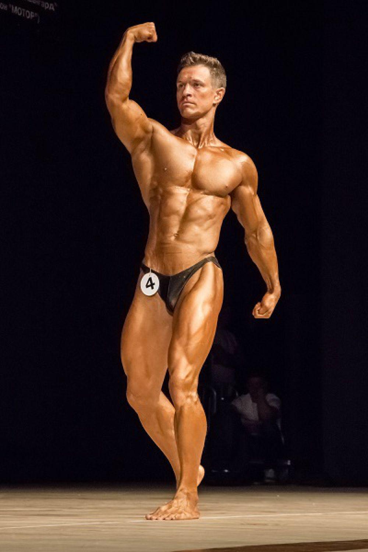 Самарец Андрей Чамзинский выиграл Кубок городов России по мужскому фитнесу.
