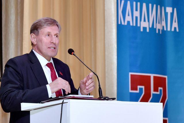 Виктор Гринкевич на встрече с избирателями.