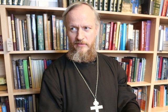 Михаил Чирков учительствовал в школе, а сейчас учит прихожан любви к Богу.
