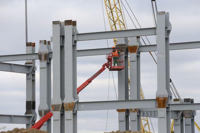 На стадионе ЧМ-2018 в Калининграде началась подготовка к устройству крыши.
