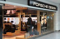 Магазин Porsche Design.