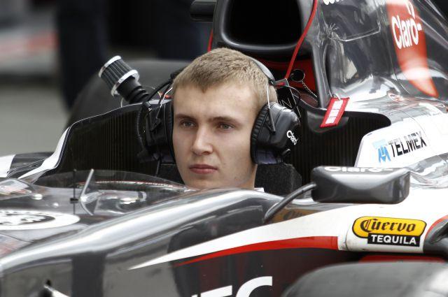 Сироткин стал тестовым пилотом команды 'Рено' на 'Формуле-1'