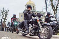 Калининградские байкеры перед открытием сезона освятили мотоциклы.