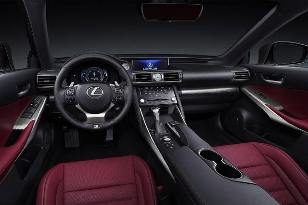 Салон Lexus IS