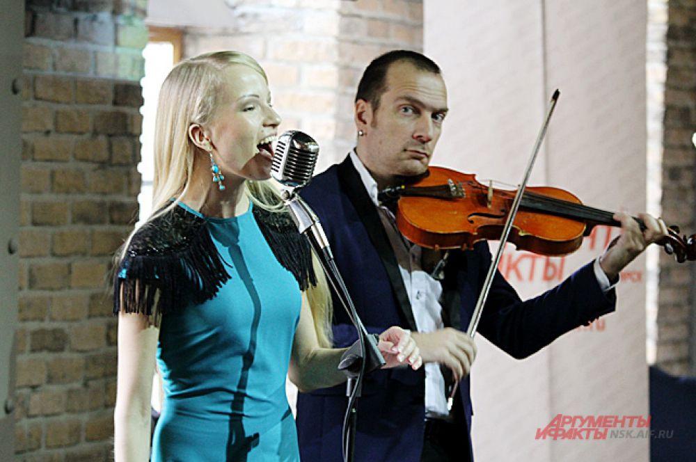 Многие артисты, музыканты Новосибирска решили принять участие в праздничной программе.