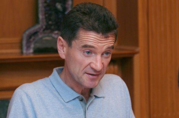 Николай Максимов, основатель металлургической компании «Макси-Групп». Возраст — 58 лет, состояние — $0,95 миллиардов, 84-е место в рейтинге богатейших людей России.