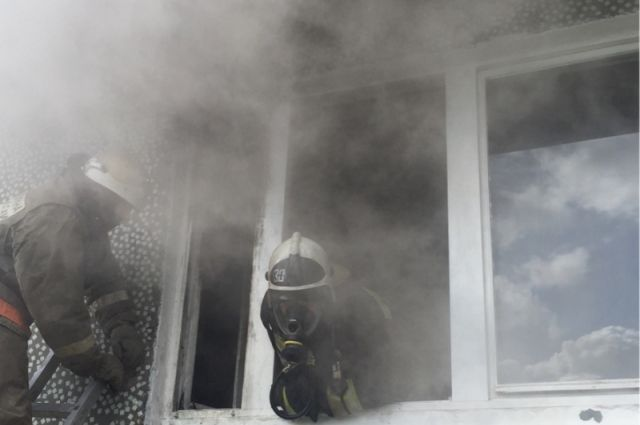 Пожар тушили 11 сотрудников МЧС.