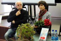 На презентацию книги о сыне пришли родители Ивана Ткаченко.