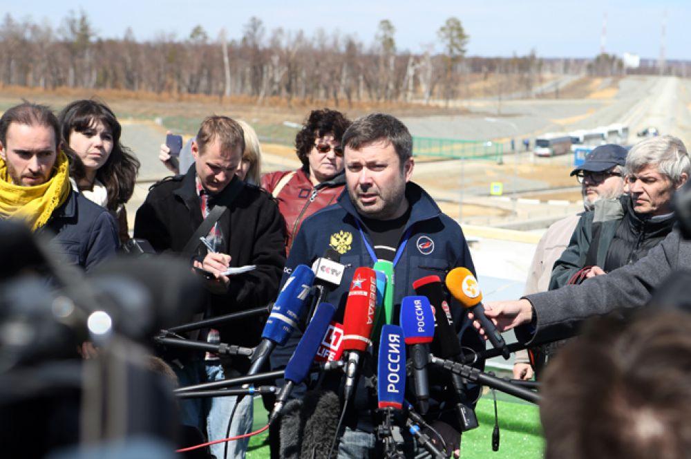 Директор по коммуникациям государственной корпорации «Роскосмос» Игорь Буренков во время заявления для прессы о переносе на сутки первого запуска ракеты-носителя «Союз-2.1а» с космодрома «Восточный».