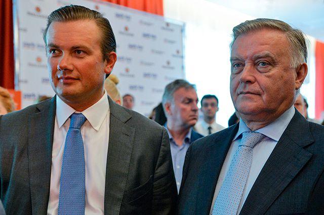 Андрей (слева) и Владимир Якунины. Сын экс-главы РЖД В. Якунина зарабатывает нагостиницах, тратит— наособняки.