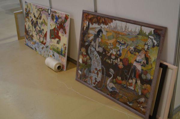 Именитые галереи BECOZZ (Москва), галерея Кустановича (Санкт-Петербург), «Вещь в себе» (Нижний Новгород) и многие другие представили ростовчанам свой взгляд на современное искусство.