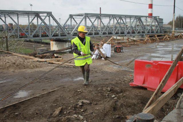 Работы на мосту улице Суворова отстают на полторы недели.