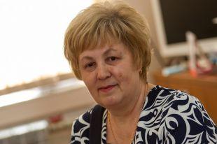 Учитель - это как мама, которая поругает, но зла помнить не будет. Вот такая и Людмила Ивановна.