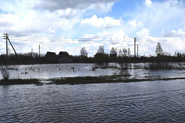 В двух районах области вода продолжает прибывать.