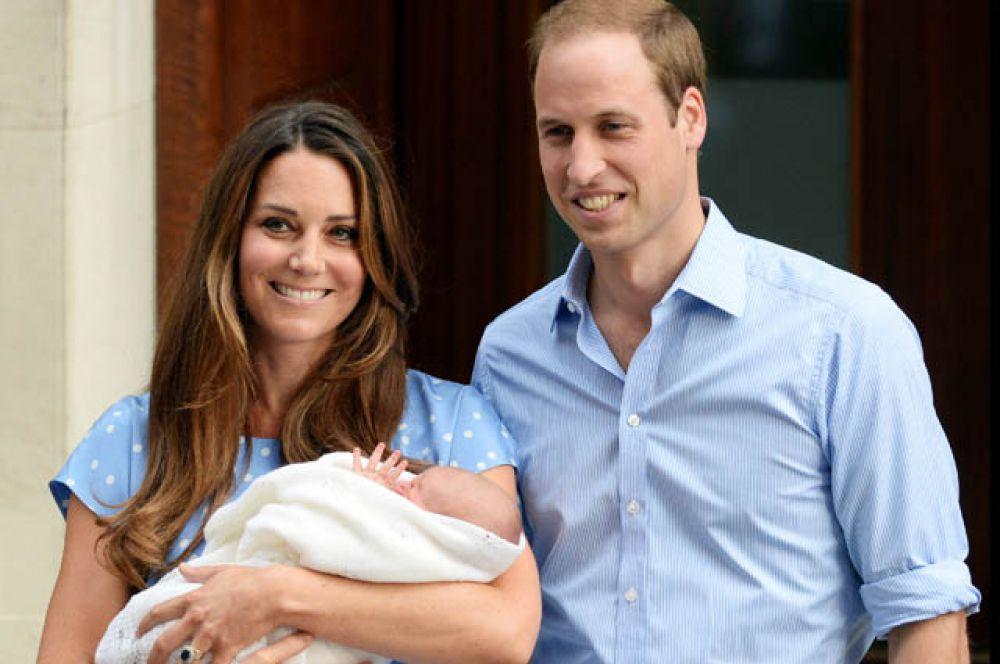 23 июля 2013 года. Выписка из больницы: 21 июля у пары родился первый ребёнок, наследник британского престола принц Джордж Кембриджский.