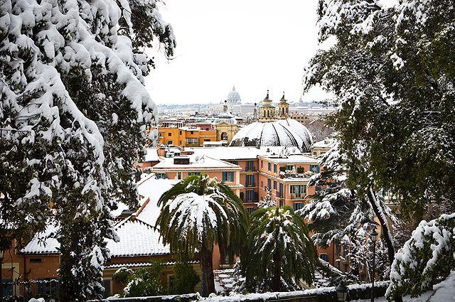 Снегопад в Риме.