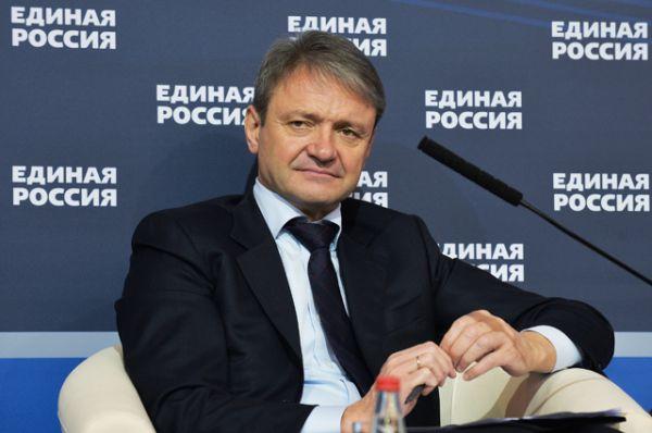 Министр сельского хозяйства Александр Ткачев — 50,46 миллионов рублей в 2015 году (4,2 миллиона в месяц).