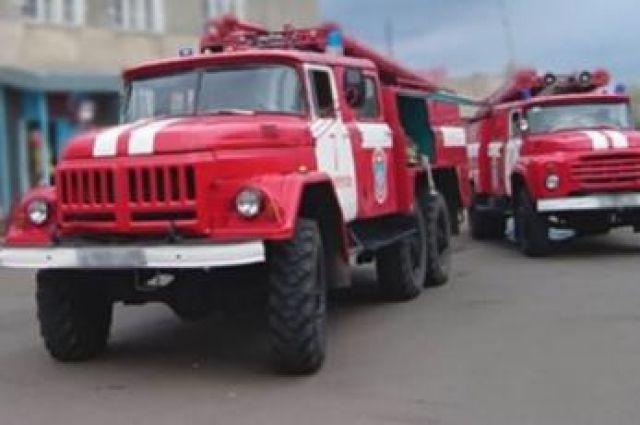 Пожар тушили 12 машин