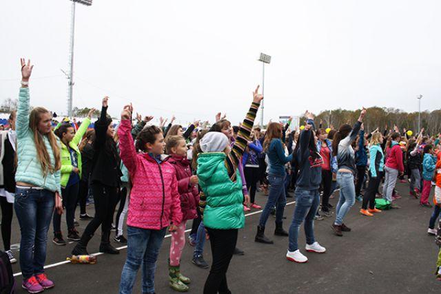 Танцевальная прогулка объединила 30 человек