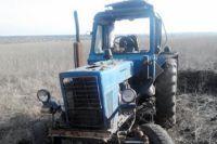Это не превый случай, когда возле Мариуполя тракторы подрываются на минах