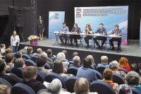 По всей Москве кандидаты держат экзамены перед избирателями. Этот прошёл в Ясеневе.