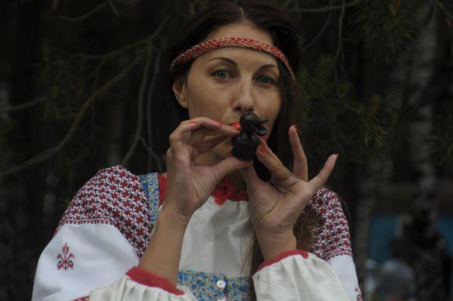 Творческие коллективы представят народные традиции разных регионов России.