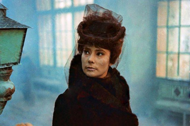 Анна Каренина стала последней серьёзной работой актрисы в кино.