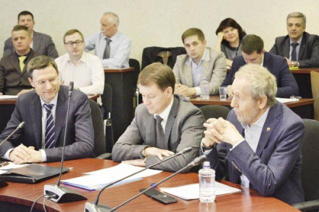 Политсовет решил, что новым депутатом ЗС может стать Денис Ушаков.