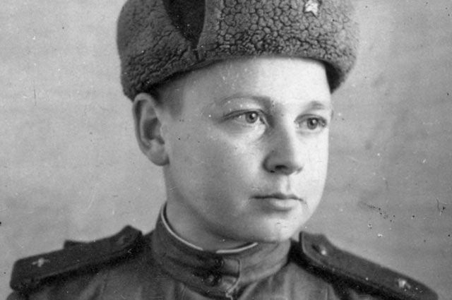 Валентин Огурцов в ноябре 1943 года.