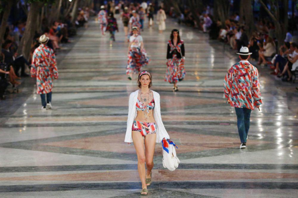 Марка Chanel представила в Гаване свою круизную коллекцию.