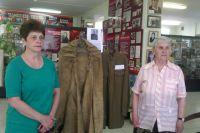 Плащ-палатка, офицерская гимнастёрка хирурга - музей медицины Челябинска пополнился новыми экспонатами военных лет.