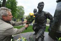 Памятник участникам блокадного матча.