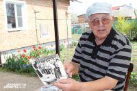 Анатолий Згоняйко на 9 Мая показывал иностранцам, как живёт народ-победитель.