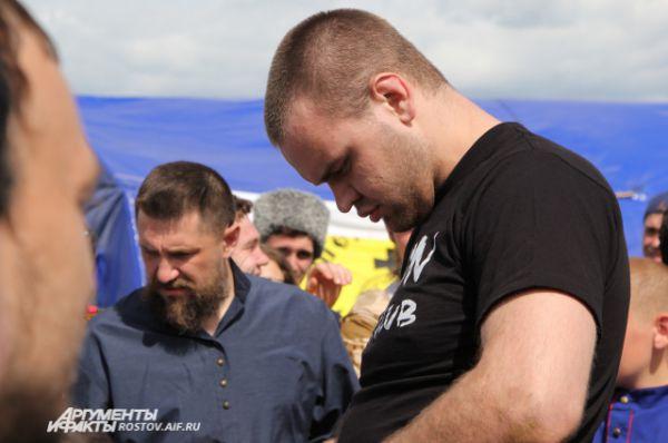 Антон Винников занимается в клубе единоборств и, по его словам, победа над иностранцем далась ему легко.