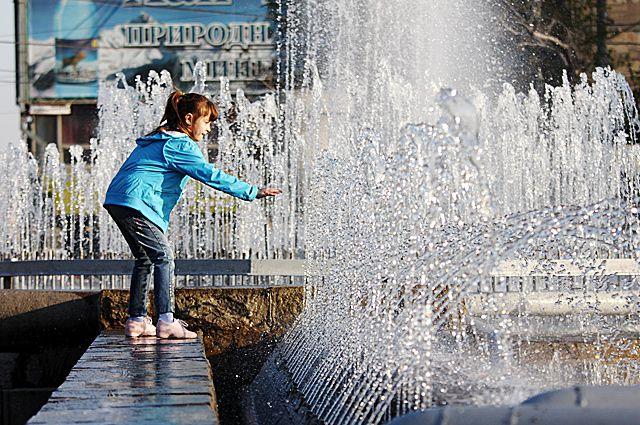 Отважатся ли новосибирцы, следуя традиции искупаться в фонтане?
