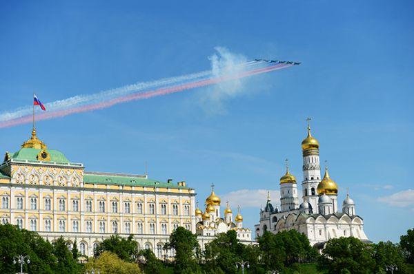 В параде Победы приняли участие 71 самолёт и вертолёт Воздушно-космических сил России. Количество авиационной техники символизировало 71-ю годовщину Победы в Великой Отечественной войне.