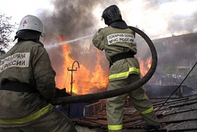 09:21  0 14   В Сухом Логу в пожаре погибли 9 человекСреди погибших несколько детей.   ГУ МЧС РФ