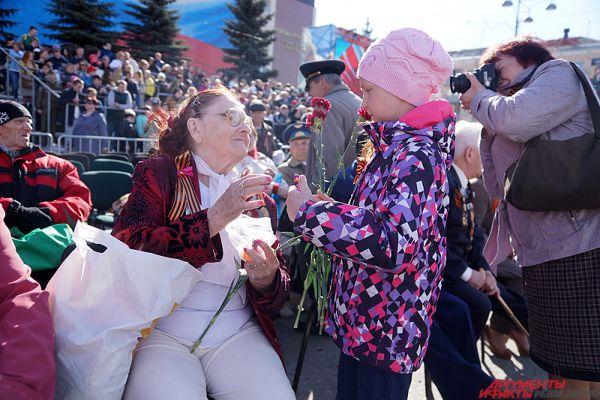 Завершит же праздничный день традиционный большой фейерверк.