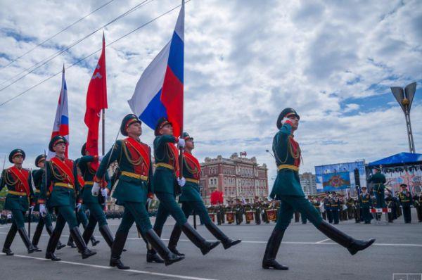 В нём приняли участие более двух тысяч военнослужащих  и 60 единиц современной военной техники Южного военного округа.