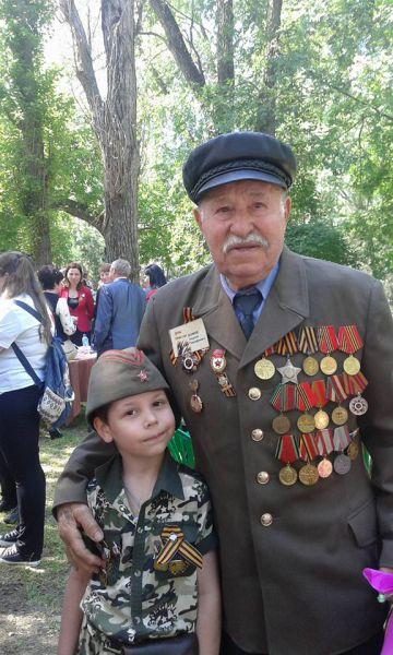 Волгодонскому ветерану Великой Отечественной - фронтовику Георгию Тимофеевичу Волкову 91 год.